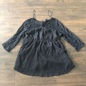 H&M Mama Black Lacey Top